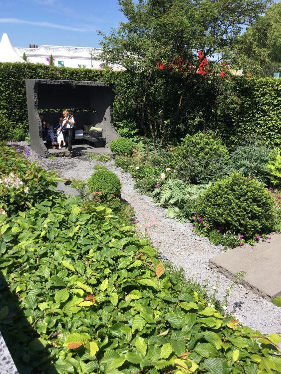 Maggie's Garden: Grey Pit