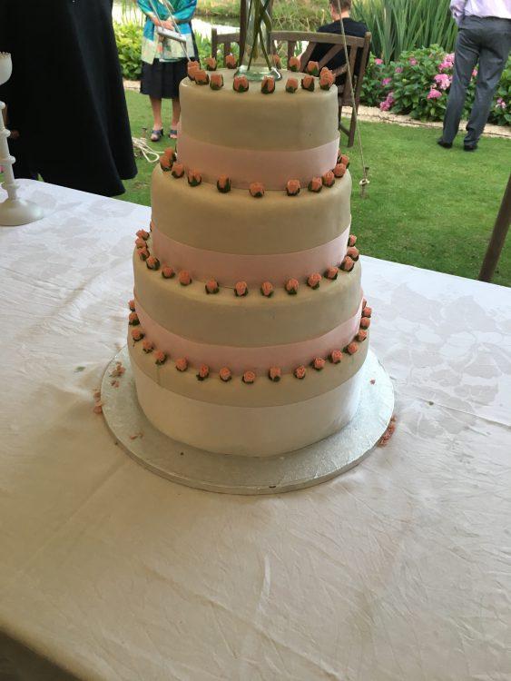 Frankie-Doreen and Giles Fecit: The Wedding Cake de Charme