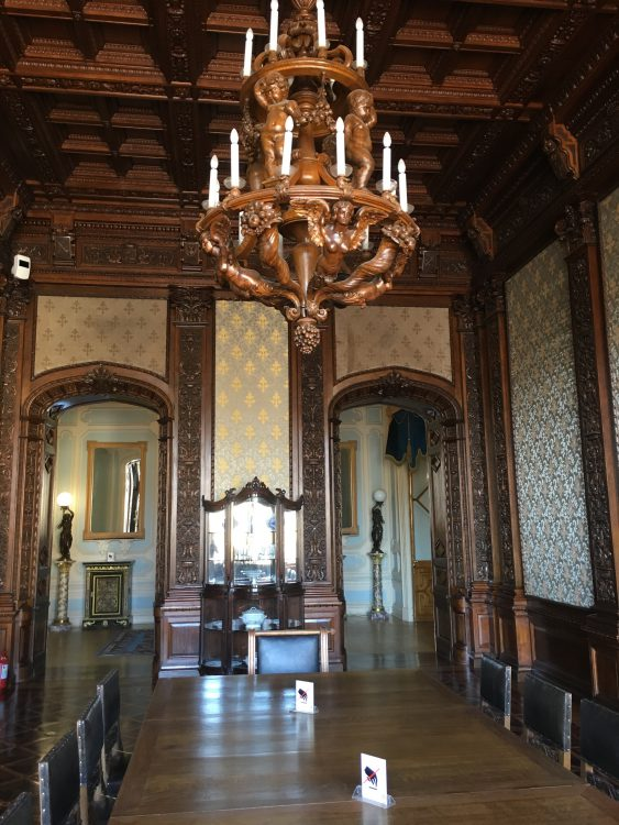 Youssapov Palace: Wooden Vampire Dining Room