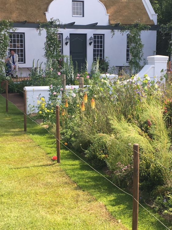 The South African Garden: Only Silver-Gilt Medal: So Wrong