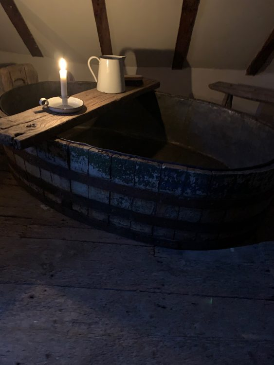 The Sid Id Memorial Bath in the Tudor House Hastings
