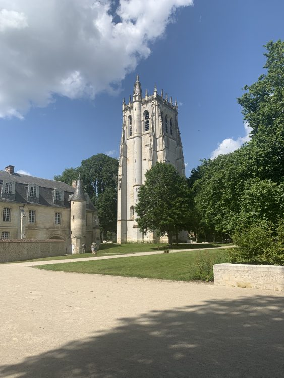 L'Abbaye Bec: Actual Church seemed to be been Disposed of