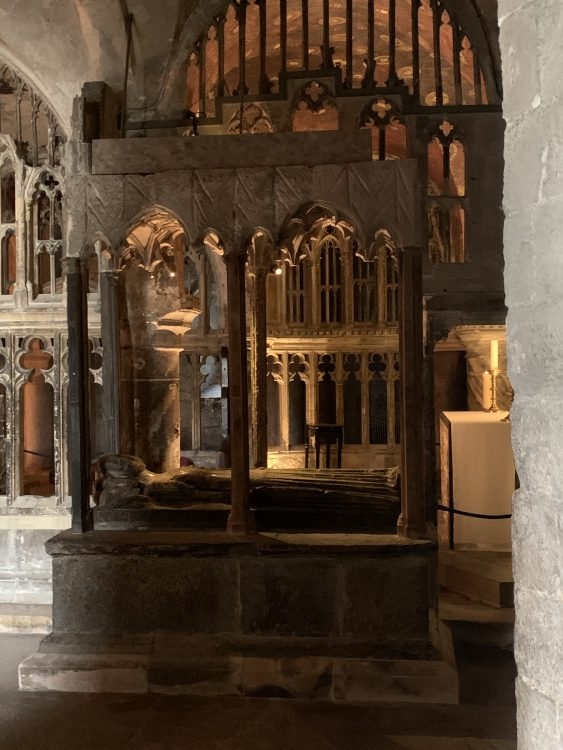 Canterbury Cathedral: So Exotic and Byzantine-Looking: Tracery, Forests of arches and Columns, grilles, and Tombs