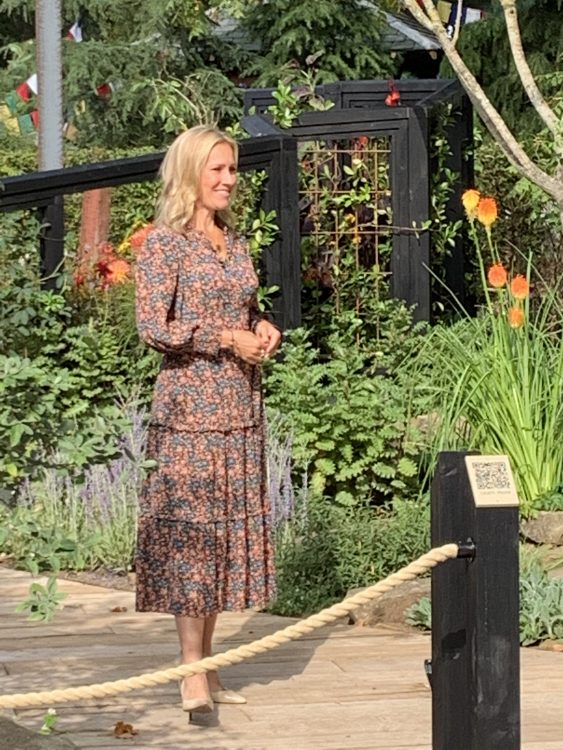 Sophie Raworth: Those Clucks straight into a bag and Trainers out the minute the Take Done